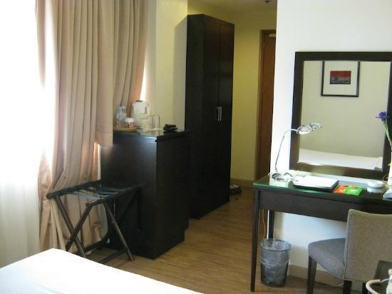 Pearl Lane Hotel: Room