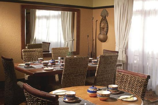 Beachwalk Bed and Breakfast: Beachwalk's Dining Room