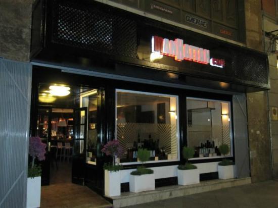 Manhattan Cafe: Fachada