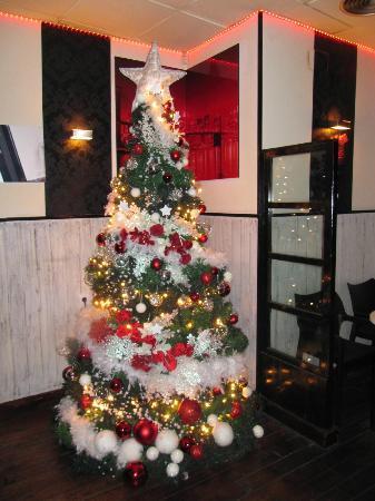 Manhattan Cafe: Nuestro arbolito de Navidad!!