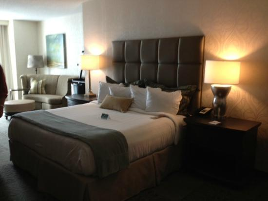 Crowne Plaza Charleston Airport Convention Center: Beautiful Spacious rooms