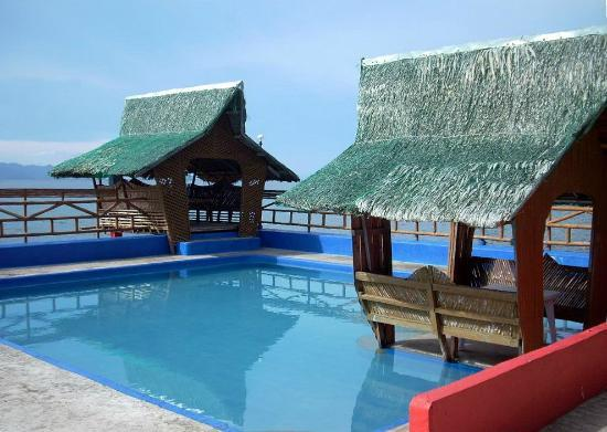 Biliran Island, Filippijnen: Nice cottages at the swimming pool