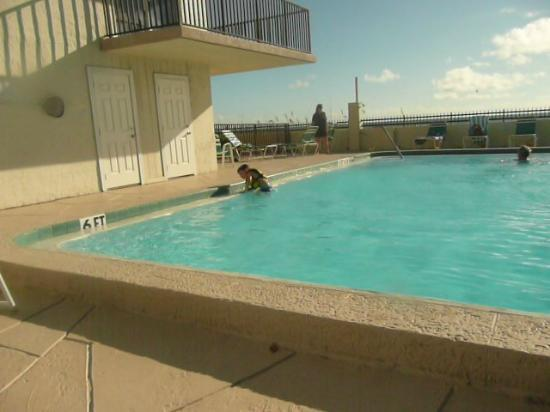 Kima Condominiums Madeira Beach: pool