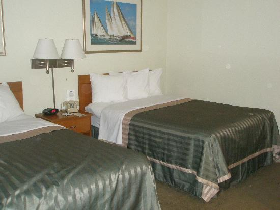 Inn at Cemetery Hill: Room 119