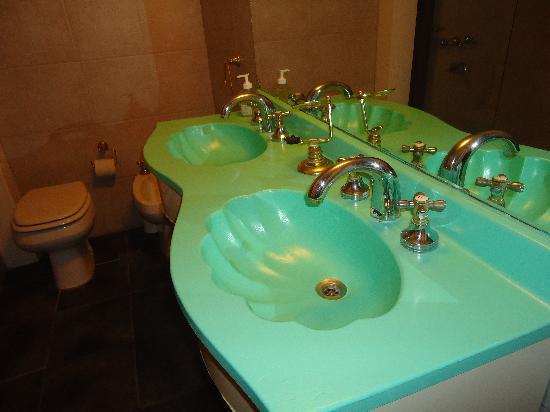 روجانتينو هوتل بوتيك: Baño 1