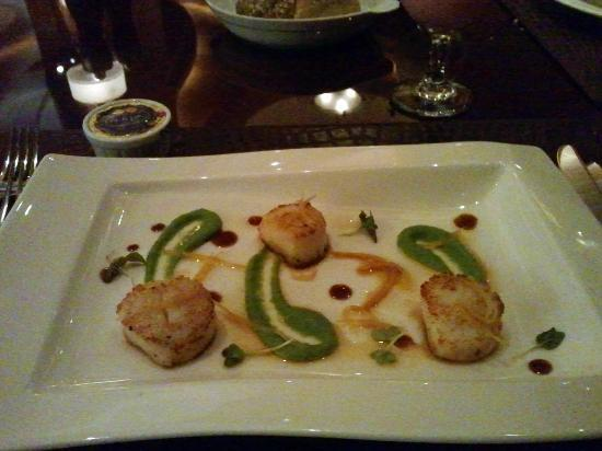 Rodeo Grill : Grilled scallops. Real juicy, just wish there were more than 3!