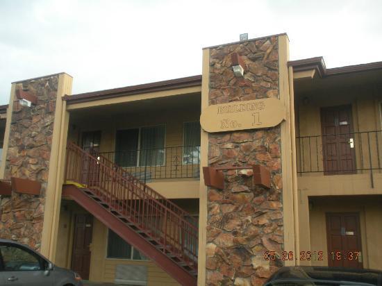 Cimarron Inn & Suites Klamath Falls: Exterior