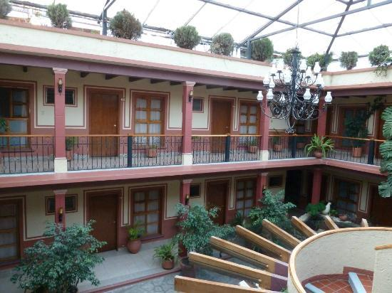 Hotel Real de Valle: the covered courtyard of hotel Real del Valle