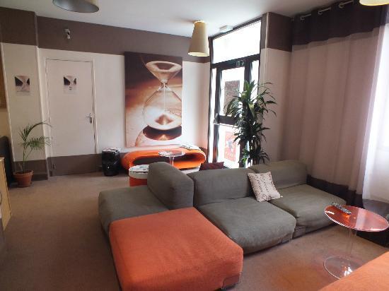 Hotel Ariane Montparnasse: réception