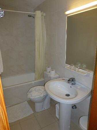 Hotel Chevy: Badezimmer
