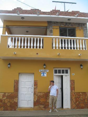 Hostal El Guayito : La façade