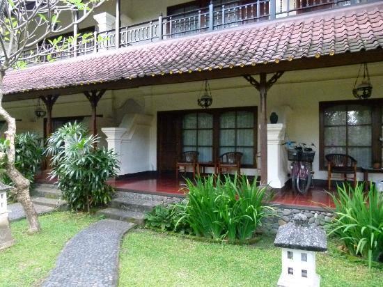 Bumas Hotel: Veranda