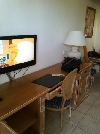 Hotel & Spa Peniscola Plaza Suites: tv plana 19 22 pulgadas con candado antirobo
