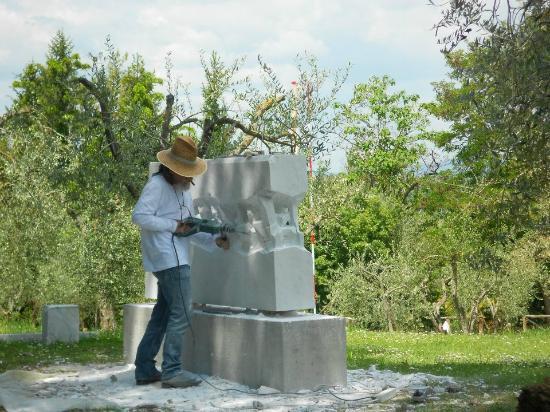 Poggio Sant'Angelo : la scultura