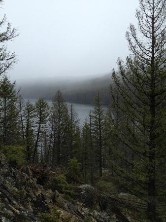 Sawtooth Wilderness Area: Trail view of Red Fish Lake.