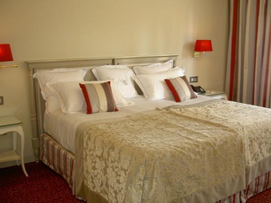 Villa Lara Hotel : Chambre