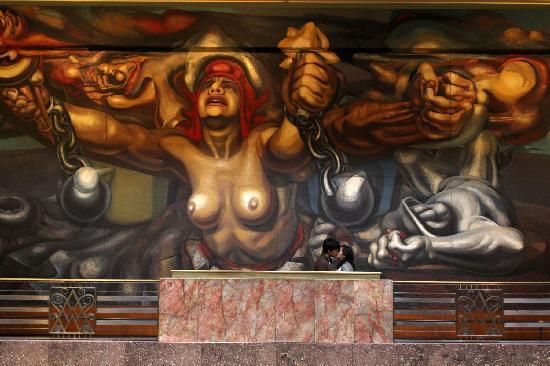 """Palacio de Bellas Artes: Mural """"Nueva Democracia"""" de David Alfaro Siqueiros"""