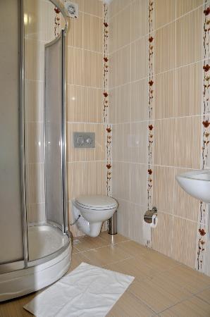 Lamp Hotel: Bathroom