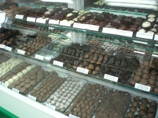 Applewood Farmhouse Grill Candy Shop Sevierville TN Picture of Applewood F