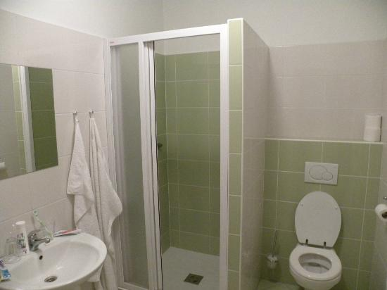Relax Hotel Stork: Bathroom