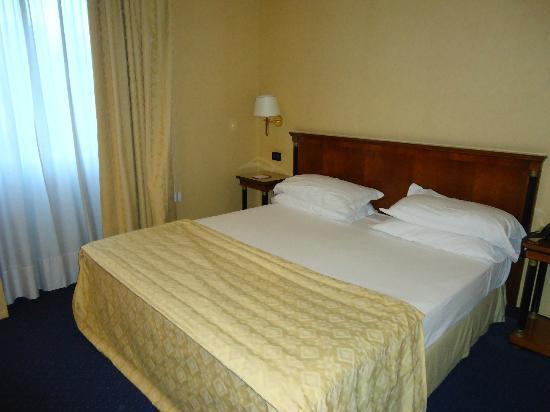 Ramada Naples : Room