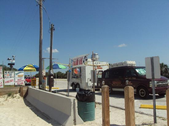 Fort Island Gulf Beach: Food Vendor