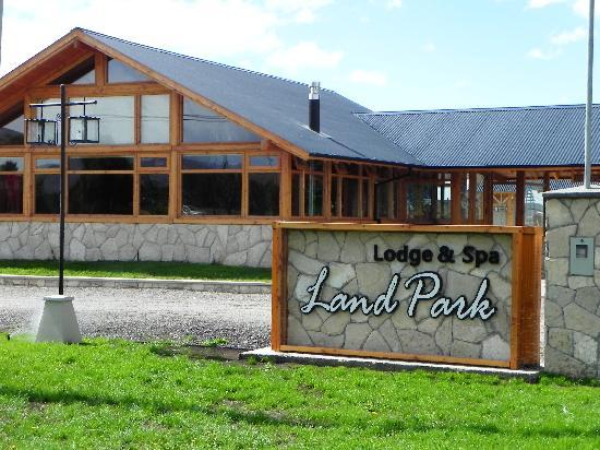 Land Park Lodge & Spa