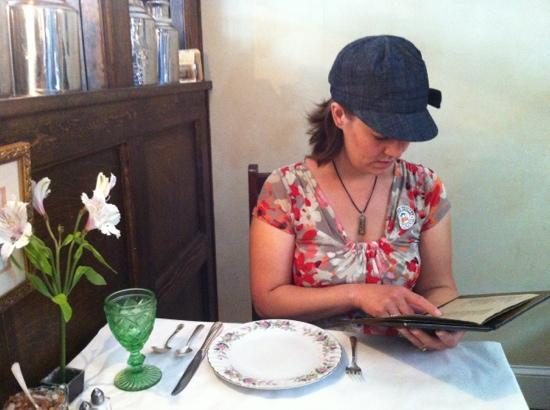 The Tea Room: pretty china, nice soft music, quiet ambiance