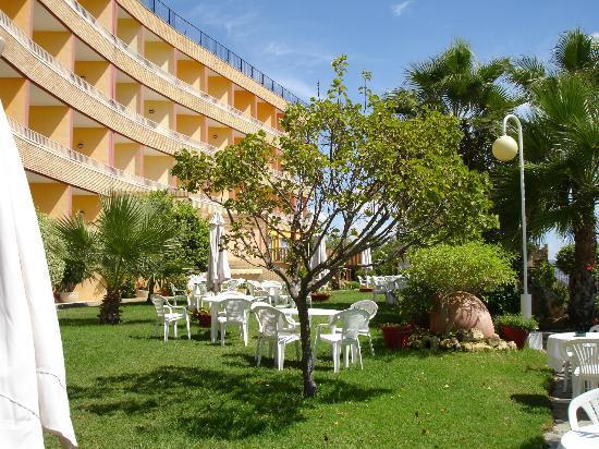 Hotel La Cumbre: edificio