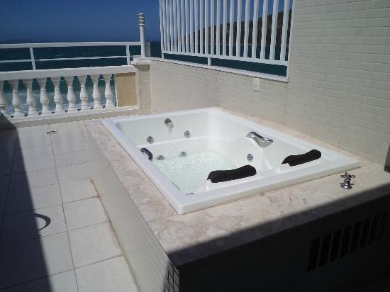 Ocean View Hotel: Banheira de hidro