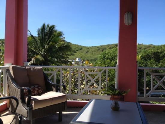 Mamacitas Guest House: outdoor balcony