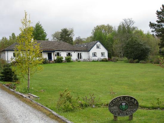 Coire Glas Guest House: From the main road