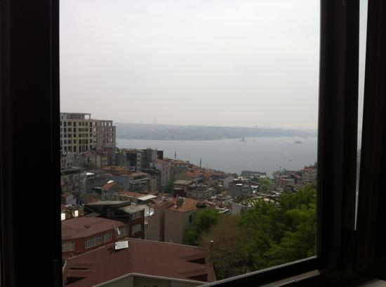 All Day Istanbul Hotel : the view from our room