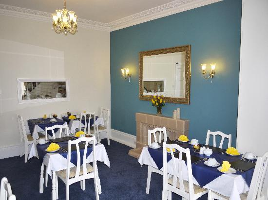 Babbacombe Guest House: Breakfast awaits you in our Dining Room