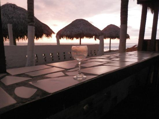 Puerto Cayo, Ecuador: Outside Hang out Area