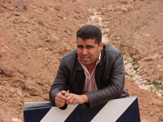 Ali Buen Conductor Y Una Gran Persona Foto Van Viaje En Marruecos