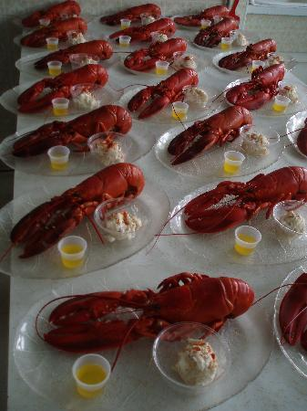 Shore Club Lobster Supper: Orders up!!!