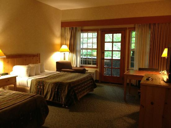 Heathman Lodge: Room 103, queen double