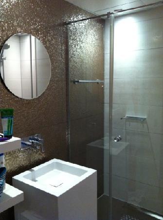 Best Western Plus Rotterdam Airport Hotel: baño