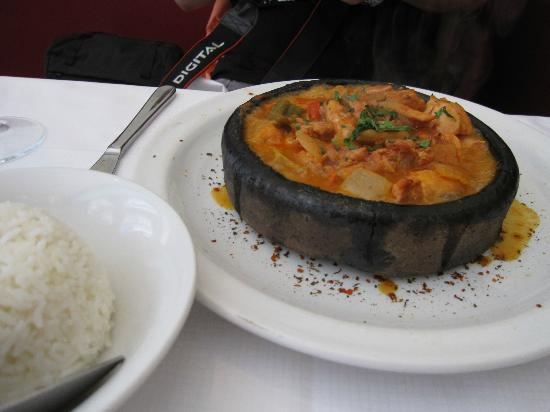 Aspendos: Chicken cooked in onion and tomato soup
