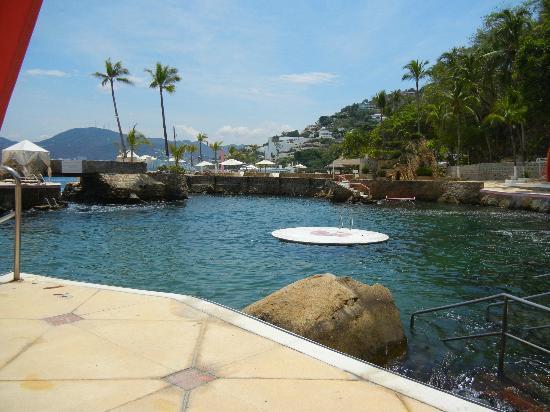 Las Brisas Acapulco: La Concha Beach Club