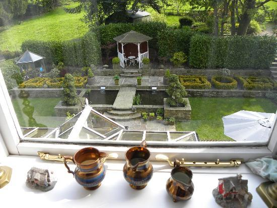 Cononley Hall Bed & Breakfast: The garden from above
