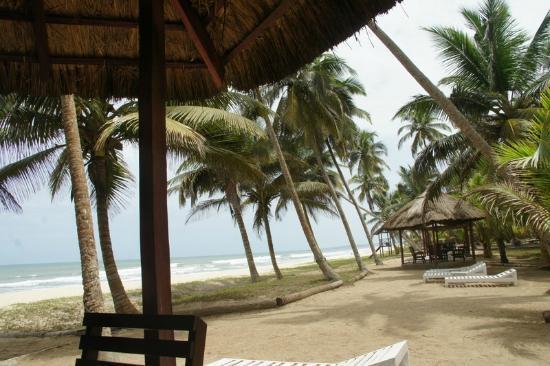 Kuntul, Ghana: Beach side Huts
