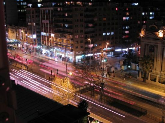 Mercure Santiago Centro: Visão da janela (Av. O'Higgins)