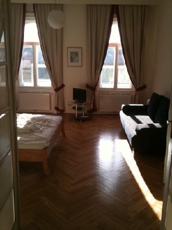 Attractive Belvedere Appartements: Bed Room