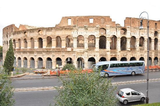 Drive Around Italy - Day Tours: Coliseum in Rome