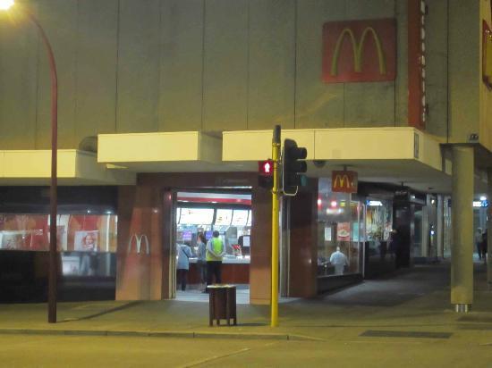 McDonald's: McDonalds after dark