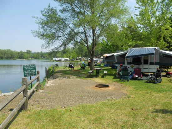 Indian Trails Campground: our lakefront campsite