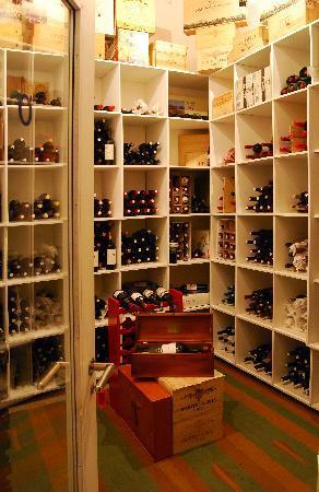 O'Farrell Restaurant : Wine Cellar - 300 labels