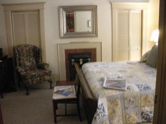 The Lattice Inn: Guest room